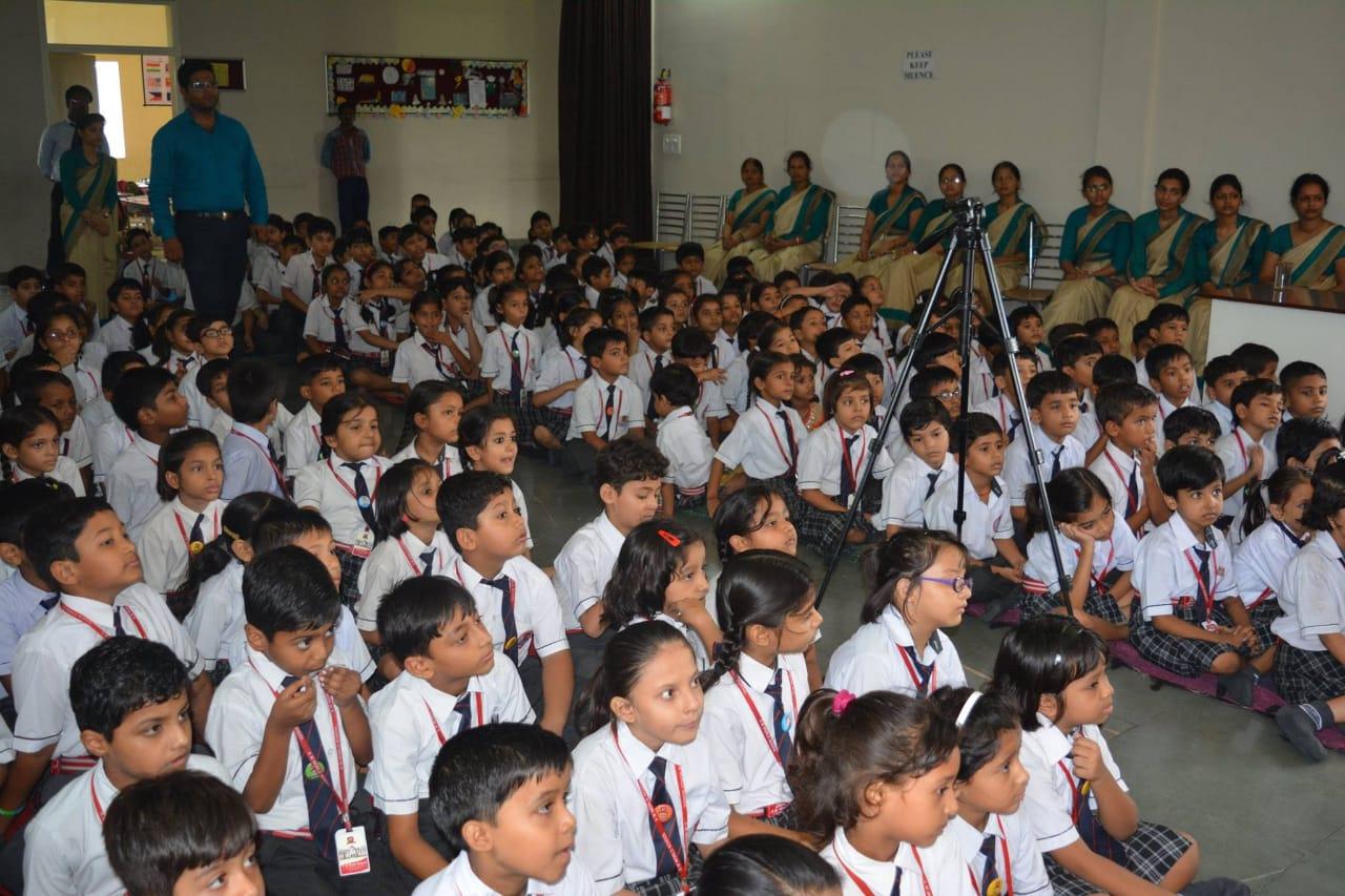 Intense learning program for kids am world school